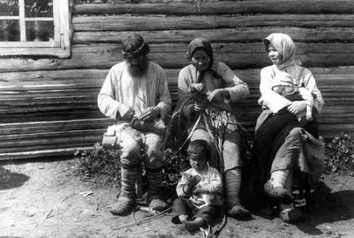 Плетение лаптей - традиционное русское ремесло